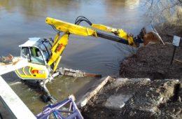 Stavba mostu ve Svinarech pokračuje