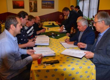 Zasedání dozorčí rady a představenstva společnosti